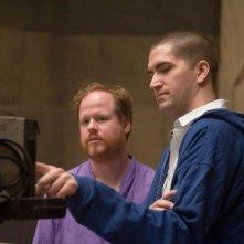 Quella casa nel bosco: Joss Whedon e Drew Goddard, sceneggiatore e regista, sul set del film