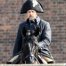 Prima immagine di Russell Crowe a cavallo sul set di Les Misérables