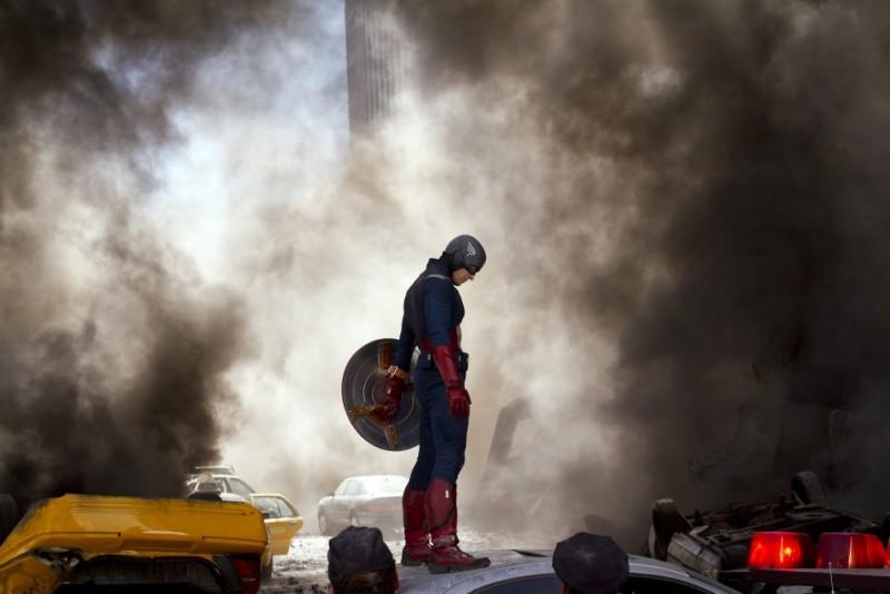 Chris Evan E Capitan America In Una Catastrofica Scena Di The Avengers 235631