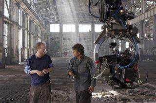 Mark Ruffalo sul set di The Avengers con il regista Joss Whedon