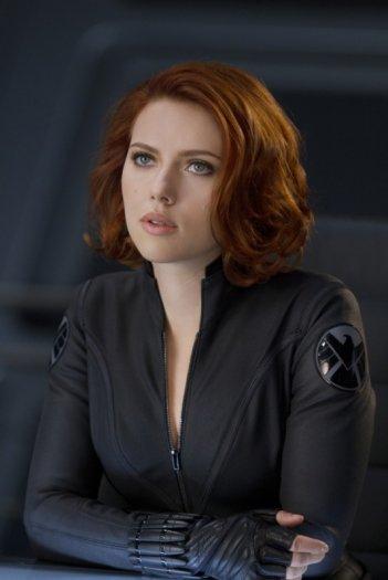 Scarlett Johansson è Natasha Romanoff (e a volte la Vedova Nera) in una scena di The Avengers - I vendicatori