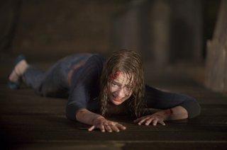 Kristen Connolly cerca scampo dall'orrore di Quella casa nel bosco