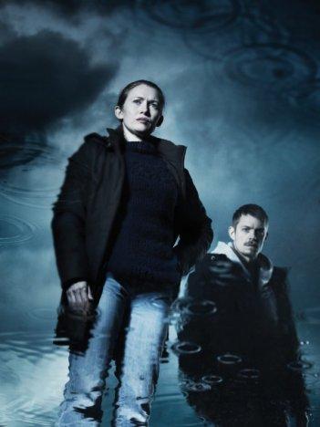 The Killing: Mireille Enos e Joel Kinnaman in una foto promozionale della stagione 2