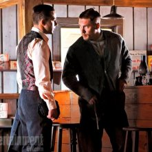 Tom Hardy e Shia LaBeouf in una scena di Lawless