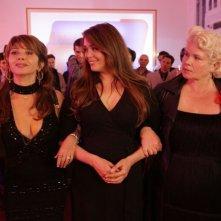 Victoria Abril con Lola Dewaere e Catherine Hosmalin in Mince Alors!
