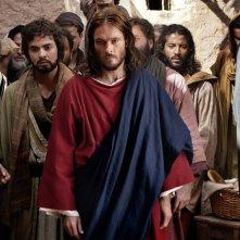 Andreas Pietschmann (al centro) nella fiction Maria di Nazareth