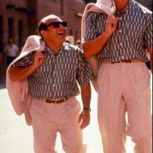 Arnold Schwarzenegger e Danny DeVito ne I Gemelli, commedia del 1988