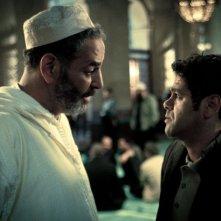 Djemel Barek e Jamel Debbouze in una scena del dramma 360 di Fernando Meirelles