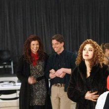 Jack Davenport, Debra Messing, Christian Borle e Bernadette Peters in Il workshop, settimo episodio di Smash