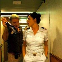 Benvenuto a bordo: Franck Dubosc e Luisa Ranieri in una scena del film