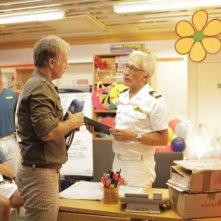 Benvenuto a bordo: Franck Dubosc insieme a Gérard Darmon in una scena del film