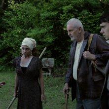 La casa nel vento dei morti: Nina Torresi, Luca Magri, Marco Iannitello e Francesco Barilli in una scena del film