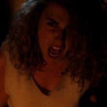 La casa nel vento dei morti: Nina Torresi nei panni di Agnese in una scena del film