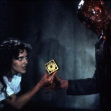 Hellraiser: Ashley Laurence, Oliver Smith in una scena