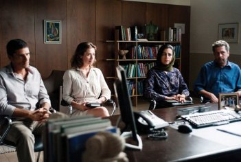 Khalifa Natour, Areen Omari, Pascal Elbé, Emmanuelle Devos in Le fils de l'autre