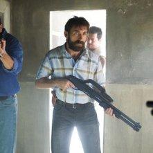 Antonio De La Torre in Grupo 7 con Mario Casas (alle sue spalle)