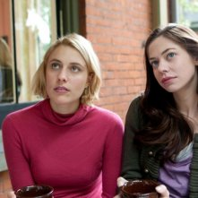 Greta Gerwig e Analeigh Tipton in una scena di Damsels in Distress