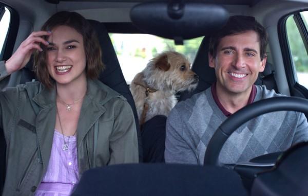 Keira Knightley Steve Carell E Un Cane Peloso In Auto In Cercasi Amore Per La Fine Del Mondo 236886