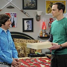 The Big Bang Theory: Jim Parsons e Simon Helberg nell'episodio The Hawking Excitation