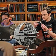 The Big Bang Theory: Johnny Galecki e Jim Parsons nell'episodio The Isolation Permutation