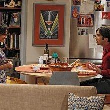 The Big Bang Theory: Kunal Nayyar e Chriselle Almeida nell'episodio The Transporter Malfunction