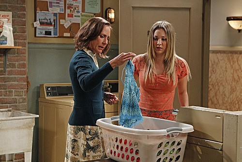 The Big Bang Theory Laurie Metcalf E Kaley Cuoco Nell Episodio The Rhinitis Revelation 236955