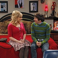 The Big Bang Theory: Simon Helberg e Melissa Rauch nell'episodio The Shiny Trinket Maneuver
