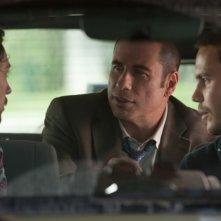 Le belve: John Travolta, Taylor Kitsch e Aaron Johnson in una delle prime immagini del nuovo film di Oliver Stone