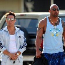 Mark Wahlberg e Dwayne Johnson sul set di Pain and Gain