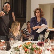 Una grande famiglia: il regista Riccardo Milani insieme a Stefania Sandrelli, Stefania Rocca e Giorgio Marchesi sul set