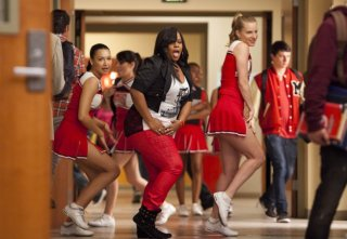 Glee: Amber Riley, Naya Rivera ed Heather Morris nell'episodio Saturday Night Fever