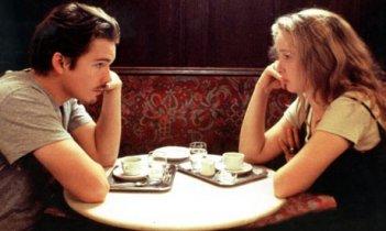Julie Delpy ed Ethan Hawke in una scena del film 'Prima dell'alba' (1995)