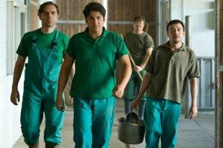 Workers - Pronti a tutto: Andrea Bruschi, Dario Bandiera e Pietro Casella in una scena del film