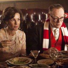 Embeth Davidtz e Jared Harris nell'episodio Signal 30 della quinta stagione di Mad Men