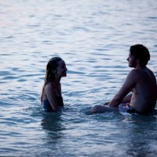 Joel Edgerton nel mystery Wish You Were Here con Felicity Price.