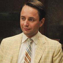 Vincent Kartheiser nell'episodio Signal 30 della quinta stagione di Mad Men