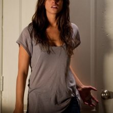 Ashley Greene in una scena ad alta tesione di The Apparition