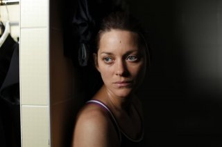 Rust and Bone: Marion Cotillard in una scena del film
