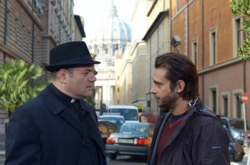 100 metri dal paradiso: Jordi Mollà insieme al protagonista Domenico Fortunato in una scena tratta dal film