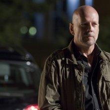 Bruce Willis in una scena del thriller La fredda luce del giorno