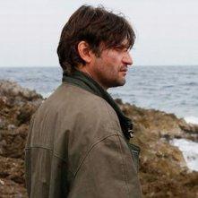 Isole: Ivan Franek in una scena del film