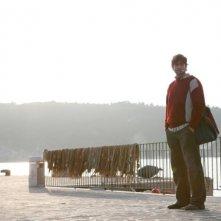 Isole: Ivan Franek in una scena del film diretto da Stefano Chiantini