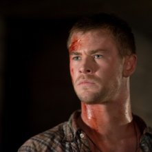 Quella casa nel bosco: Chris Hemsworth in una scena del film