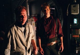 Joss Whedon e Nathan Fillion sul set della serie tv Firefly