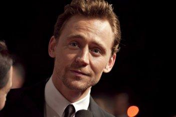 The Avengers: Tom Hiddleston sul red carpet della premiere italiana The Avengers a Roma