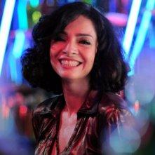 Claudia Ohana in discoteca in una scena di A novela das 8