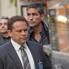 Person of Interest: James Caviezel e Kevin Chapman in una scena dell'episodio Judgement