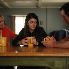 Awake: Jason Isaacs, Daniela Bobadilla e Laura Allen nell'episodio Slack Water