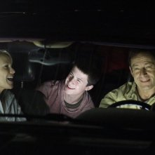 Awake: Jason Isaacs, Dylan Minnette e Laura Allen nell'episodio Say Hello to My Little Friend
