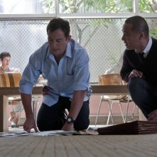 Awake: Jason Isaacs e BD Wong nell'episodio That's Not My Penguin